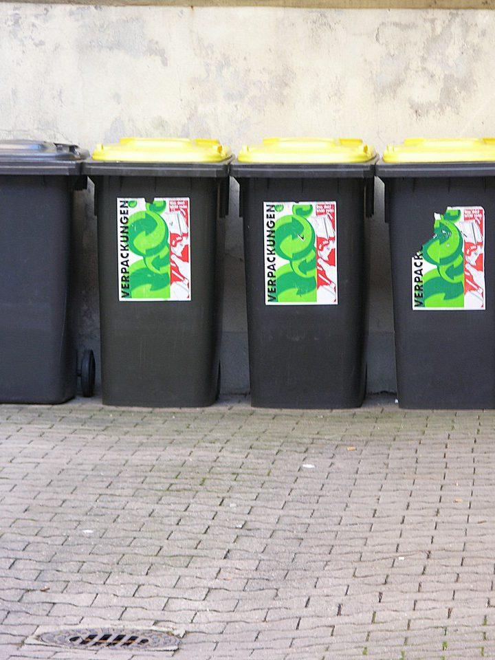 Szklane odpady – kolorowa mieszanka utrudnia utylizacje